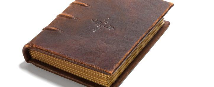 En gammal bok kan vara värdefull.